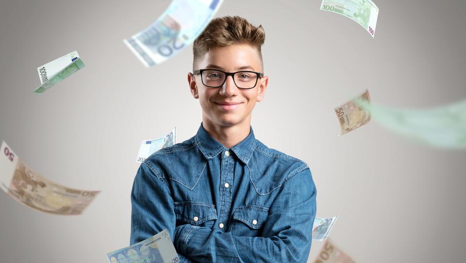 (finančna šola) Preverite, kaj bi najstniki naredili z 10 tisočaki