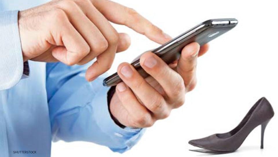 »Crknil« mi je mobilnik. Mi bo prodajalec dal nadomestnega?