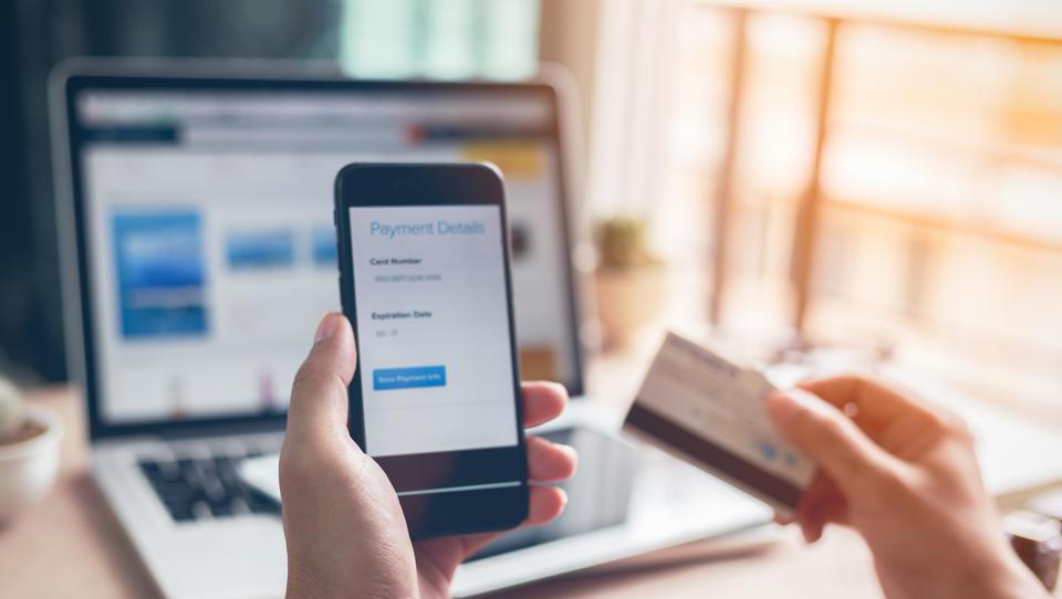 Z digitalizacijo banka postane dosegljiva kadarkoli in od kjerkoli