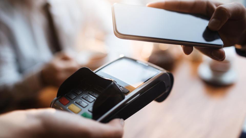 Mobilne denarnice z NFC-tehnologijo prinašajo novo uporabniško izkušnjo nakupovanja
