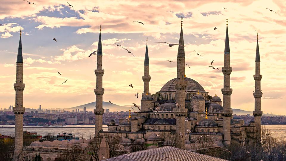 Bombe na istanbulskem letališču