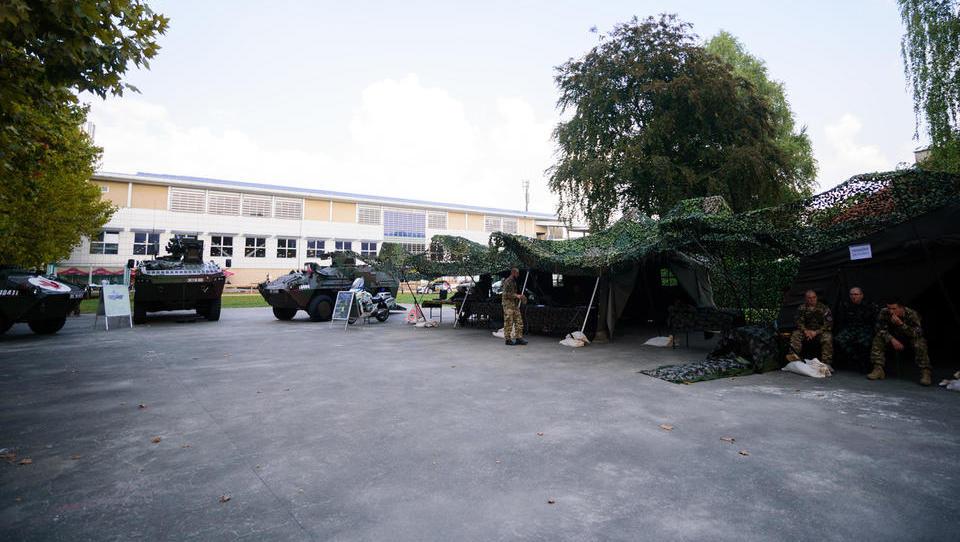 Slovenski vojaki pripravili evropski projekt e-mobilnosti in vodikove tehnologije