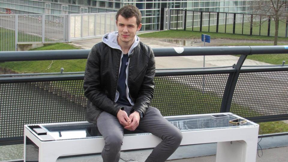 Hrvaški mladenič, ki s pametnimi klopmi osvaja svet