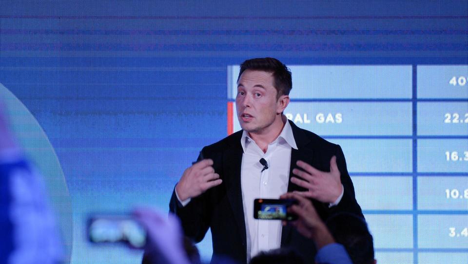 Musk napovedal baterijo, ob kateri bodo vse dosedanje le palčice