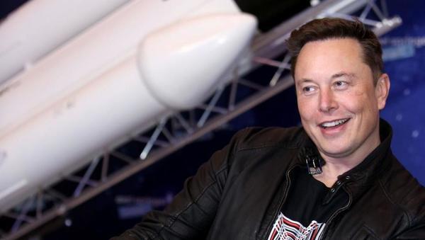 Tesla na borzi presegel vrednost 700 milijard dolarjev