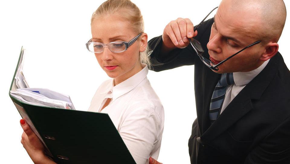 Kdaj davčni inšpektorji zastrižejo z ušesi in vas počastijo s pregledom?