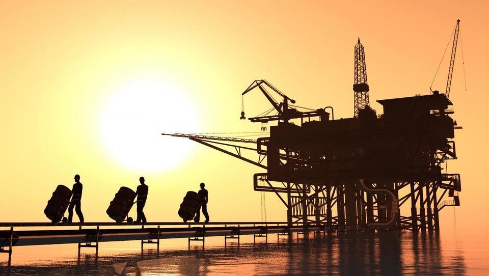Cene nafte rastejo. Bo Opecov dogovor predčasno padel?