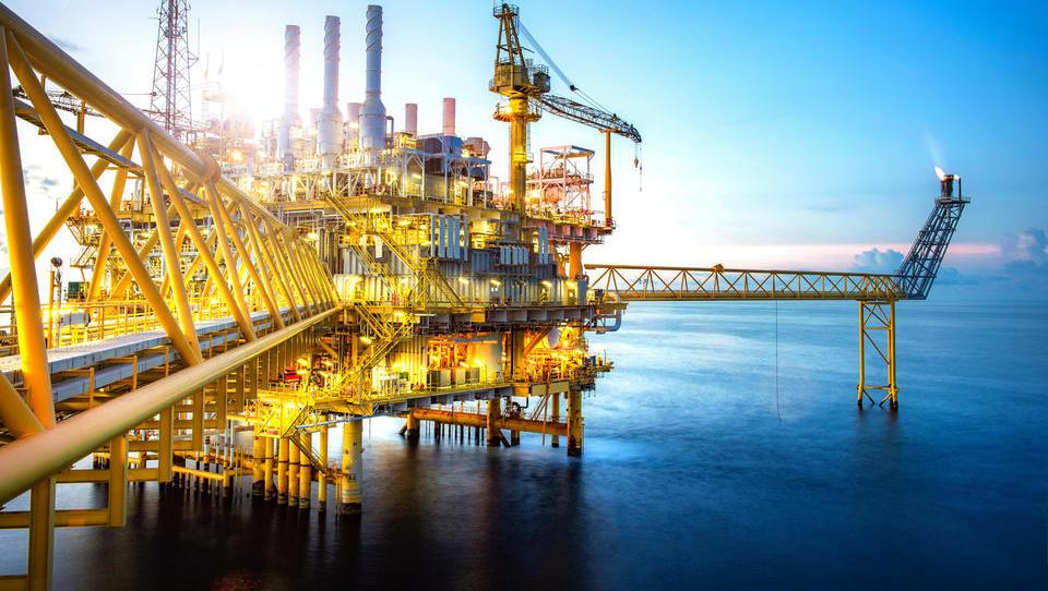 Povpraševanje po nafti le ne kaže znamenj ohlajanja