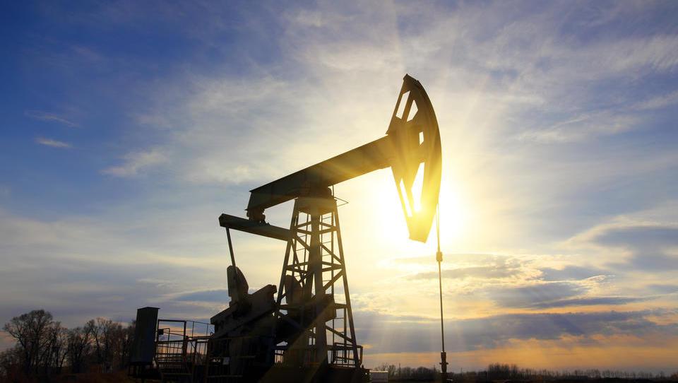 Preporod nafte v prvih dneh novega leta