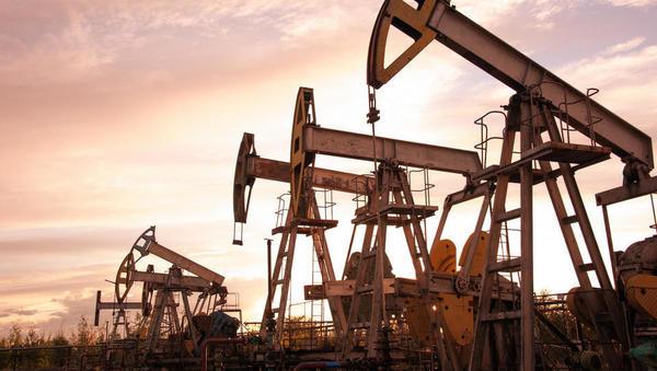 Nafta v dveh tednih od napada na tankerja pridobila 11 odstotkov