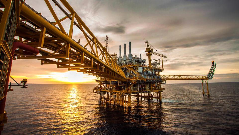 Opec se je okvirno dogovoril za zmanjšanje proizvodnje nafte; kolikšna bo, izvemo jutri