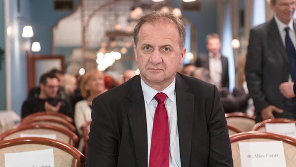 Ivan Simič uvaja tritedenske davčne počitnice. Kaj to pomeni?