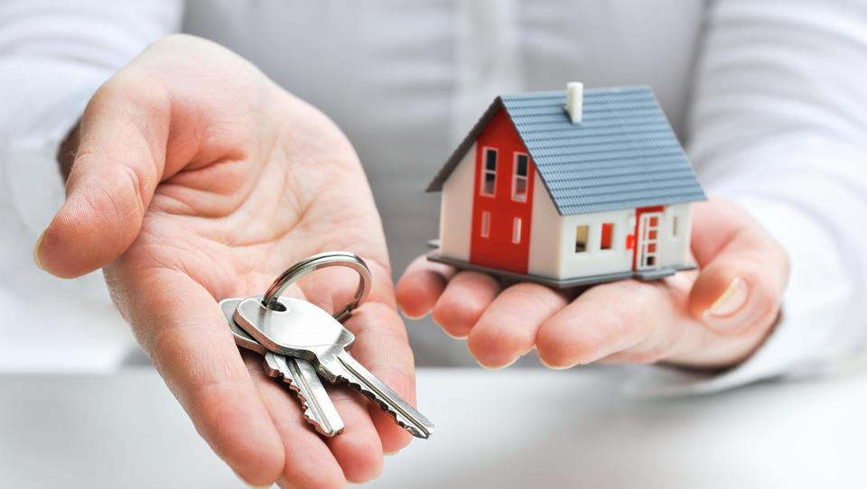 Koliko let moramo delati, da si lahko kupimo stanovanje? Odvisno, v katerem mestu živite!
