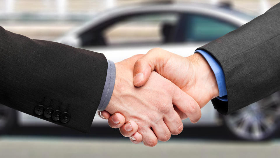 Zavezništvo med avtomobilskimi tekmeci vse pogostejše