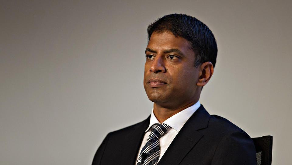 Süddeutsche Zeitung: Novartisov šef Vas Narasimhan obljublja, da ne bo prodal Sandoza