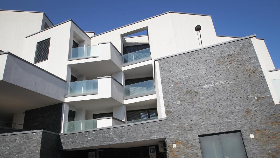 Našli smo več kot 30 stanovanj, ki jih boste lahko aprila kupili na dražbah