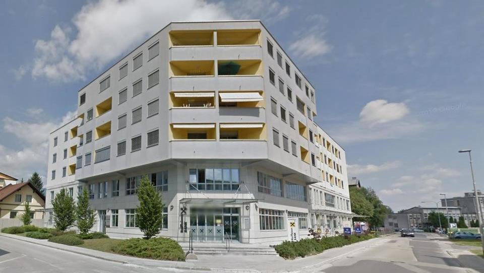 TOP dražbe: stanovanji v Ljubljani in Portorožu, pisarne v Kranju, gostilna, poslovni objekt ...