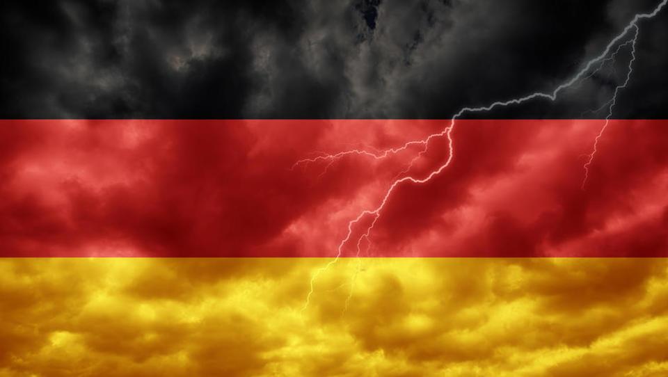 Uradno: Nemčija je zdrsnila v tehnično recesijo. Kako bi to lahko čutili v Sloveniji