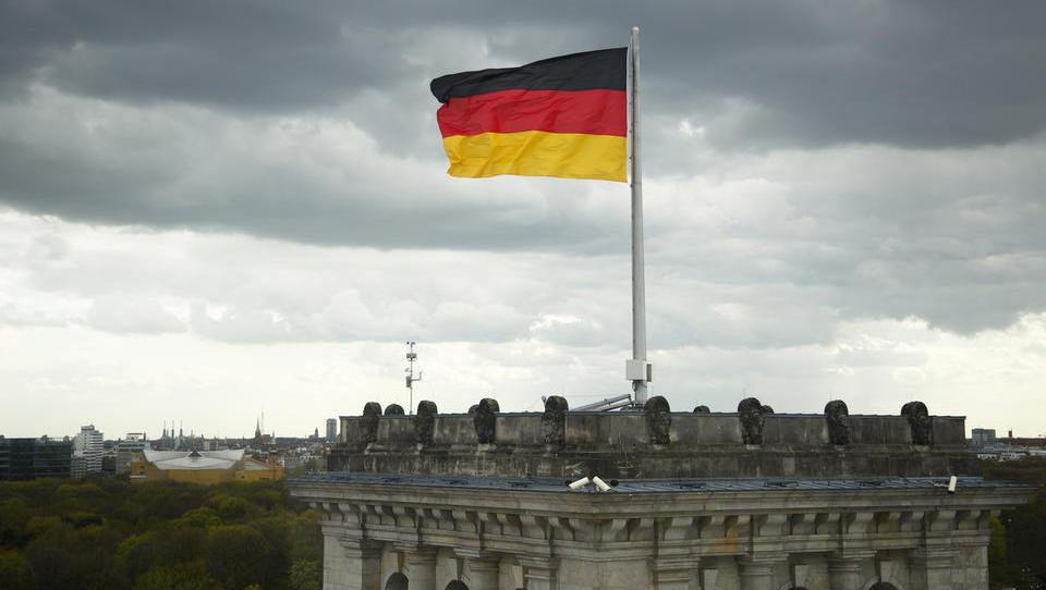 Naložbeno zaupanje v Nemčiji: slabše ocene trenutnih razmer, pričakovanja ostajajo šibka