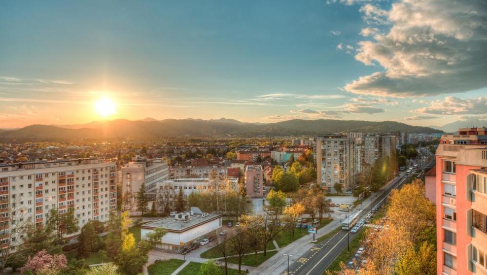 Septembra na dražbah 15 stanovanj v Ljubljani, cene od 68 tisočakov