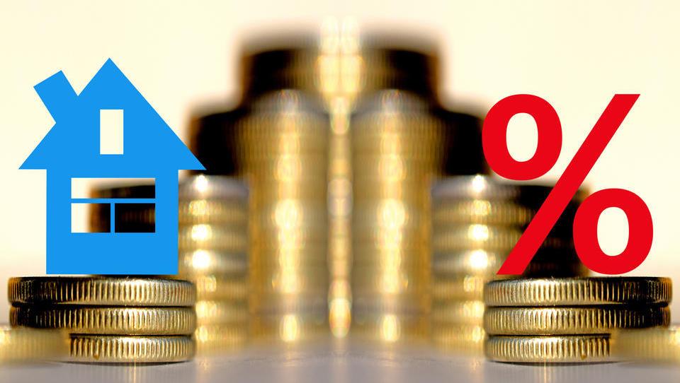 Nepremičninarji: Če bi država še dodatno omejila cene posredovanj, zakaj ne še cen hrane in transporta?