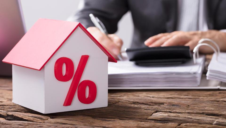 Kakšne so nove omejitve pri najemanju potrošniških in stanovanjskih posojil