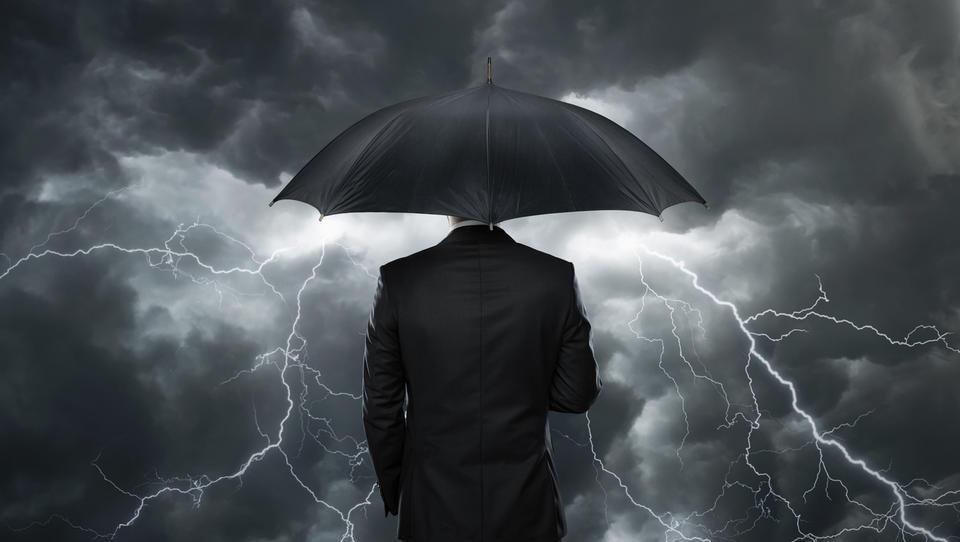 Gospodarska klima v avgustu slabša tako na mesečni kot na letni ravni