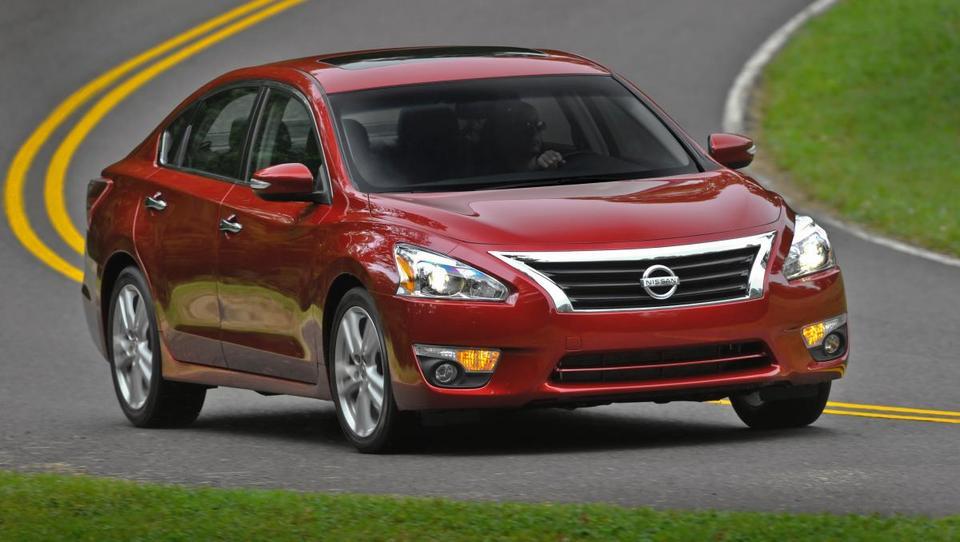 Nissan bo vpoklical milijon vozil