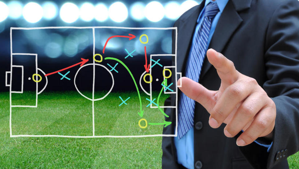 (intervju) Menedžerji prihodnosti bodo kot nogometni trenerji