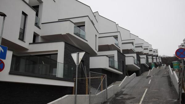 DUTB išče gradbince, obnavljali bodo 215 stanovanj v koprskem Nokturnu