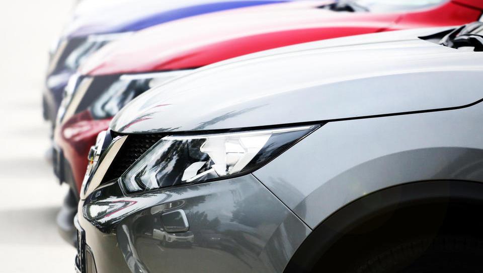 Prodaja avtov v EU v letu 2017: električnih avtov vse več, a še vedno bolj za vzorec