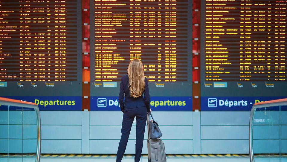 Bi prodali svojo letalsko karto za dodatne ugodnosti ali denarno nadomestilo?