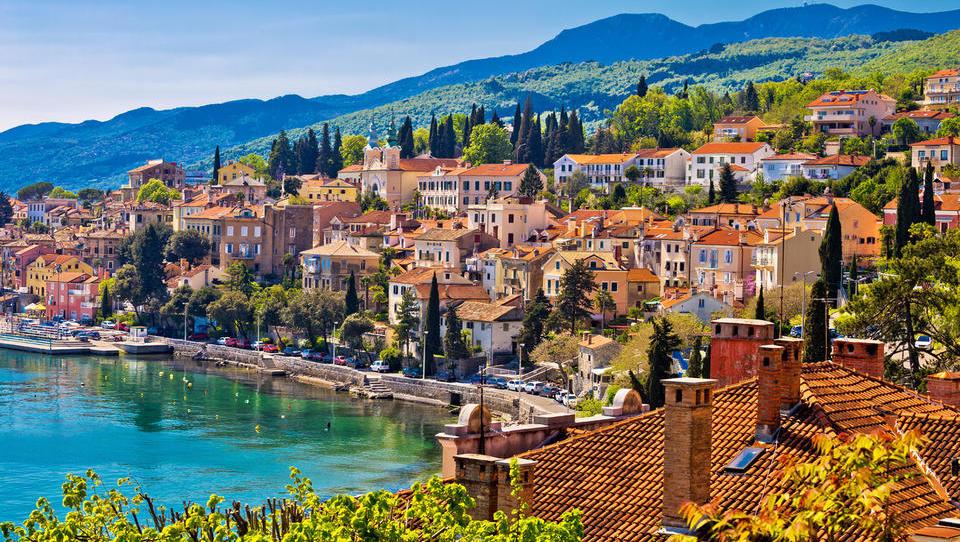 Dražbe od Istre do Dalmacije: 18 apartmajev in hiš, ki so naprodaj na hrvaški obali
