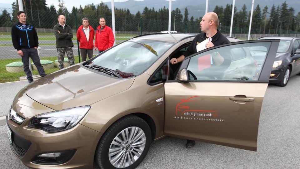 (video) Napake Slovencev za volanom, ki vodijo do velike žeje avtomobilov
