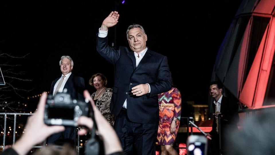 Bo Viktor Orban po gladki zmagi na volitvah obračunal z madžarsko opozicijo?