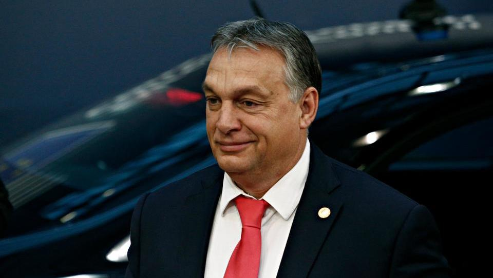 Neliberalec Viktor Orban, s katerim hoče Cerarjeva vlada graditi drugi tir, v nedeljo naskakuje četrto zmago. Kaj ga lahko zamaje?