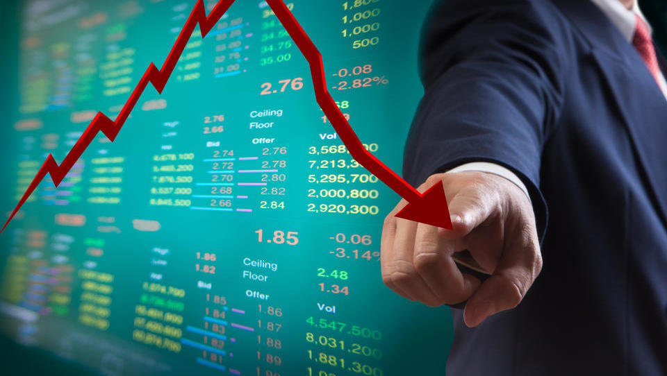 Evro upada - včeraj ga je tresla Italija, danes podatki o evrski industriji