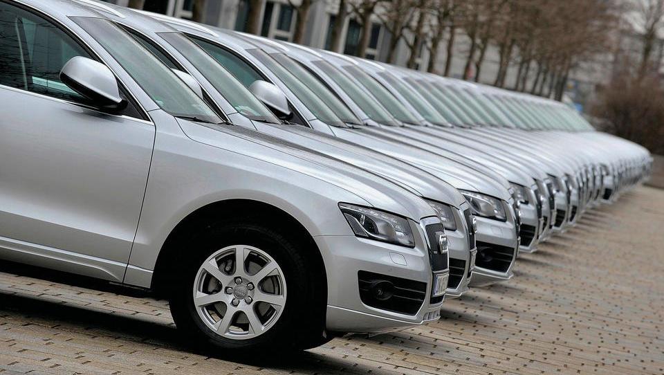 Oktobra desetodstotni padec prodaje vozil v Sloveniji