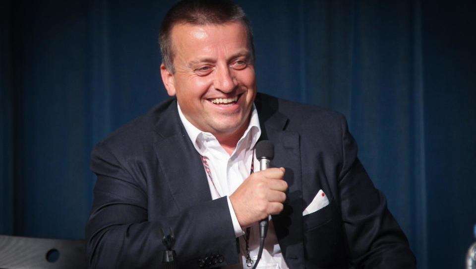 Kakšno rešitev za prenovo Plečnikovega stadiona je našel Pečečnik?