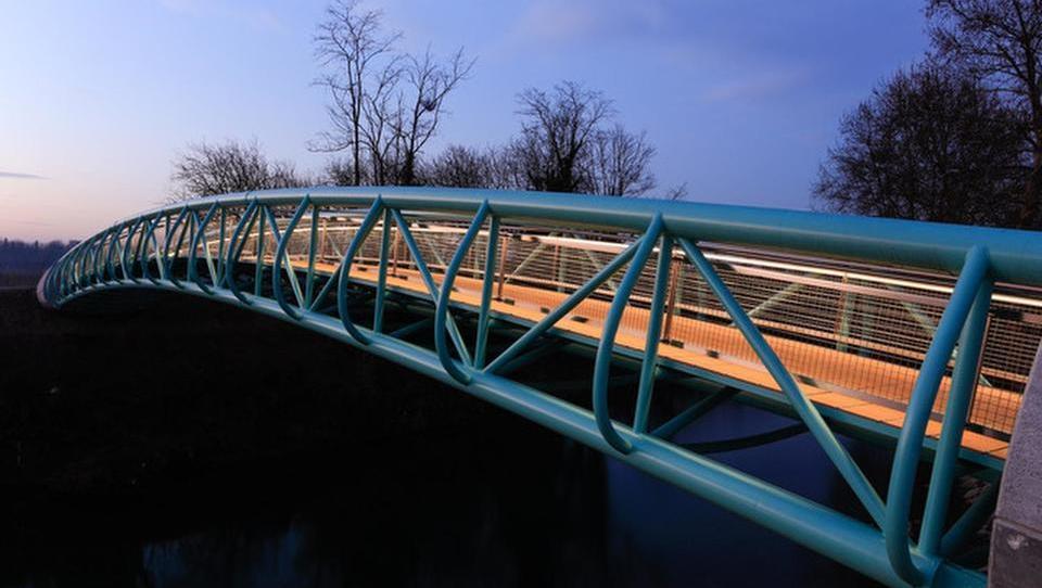 Petrič (pa ne Stojan) gradi mostove in ograje od Črnega Kala do formule ena