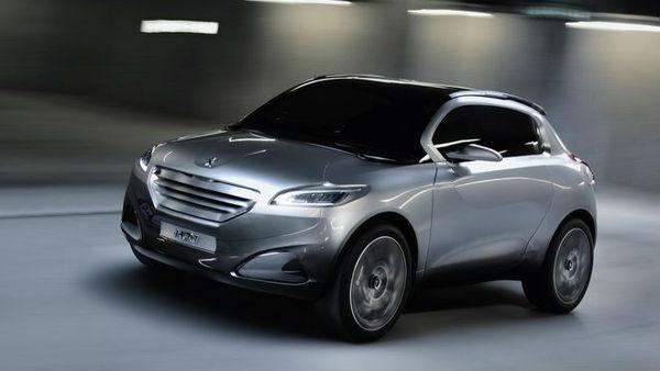 Peugeot pripravlja malega trivratnega križanca