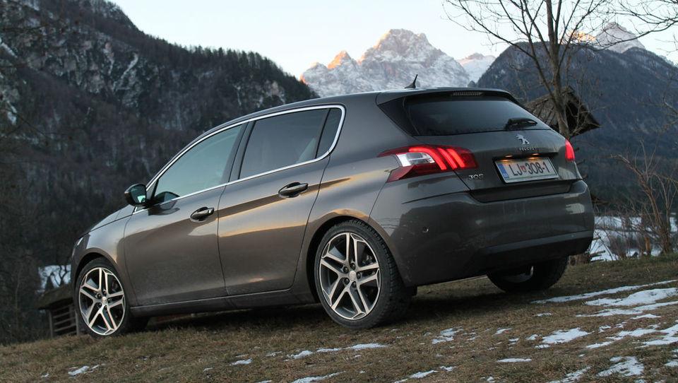 Peugeot 308 s trivaljnikom naredil prek 1.800 kilometrov