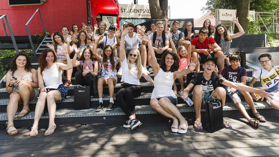 Začela se je poletna finančna šola za najstnike