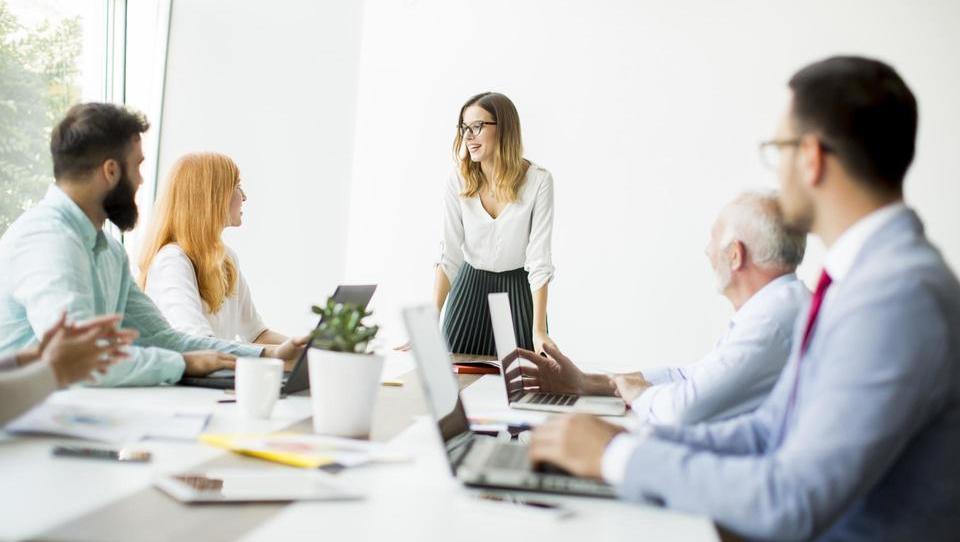 Top službe - EK išče pravnike, finančnike, službe še v Celtri, Interblocku, BSi, SiDG, Httpoolu in še 15 podjetjih