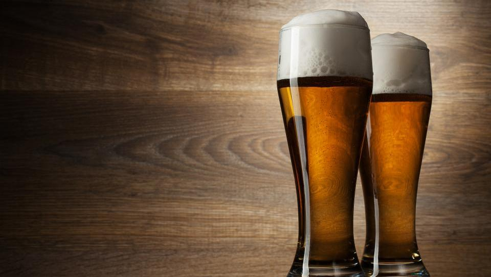 Mramor z novostmi pri trošarihah za male pivovarje, vinarje in proizvajalce žganja