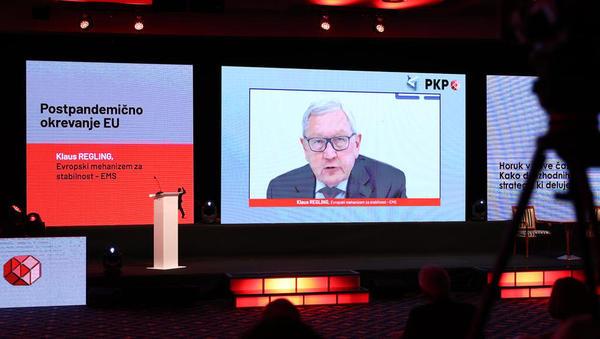 Klaus Regling, ESM: Sloveniji gre dobro, mora pa izboljšati produktivnost