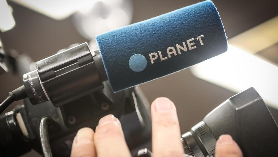 Nihče ni hotel polovice Planeta TV – koliko časa bodo delničarji Telekoma še izgubljali svoj denar?! Črnčečev direktor odstopil