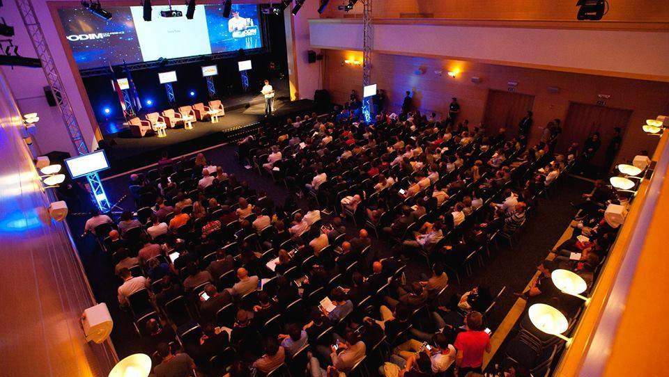 Konferenca PODIM: Zgodbe o uspehu od Silicijeve doline do Indije