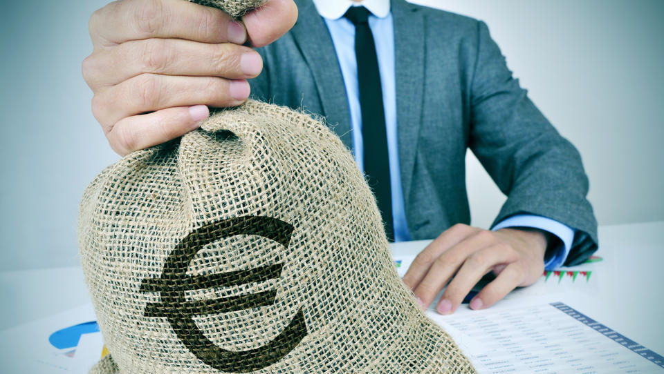 Slovenci v boju proti korupciji že sedem let brez napredka