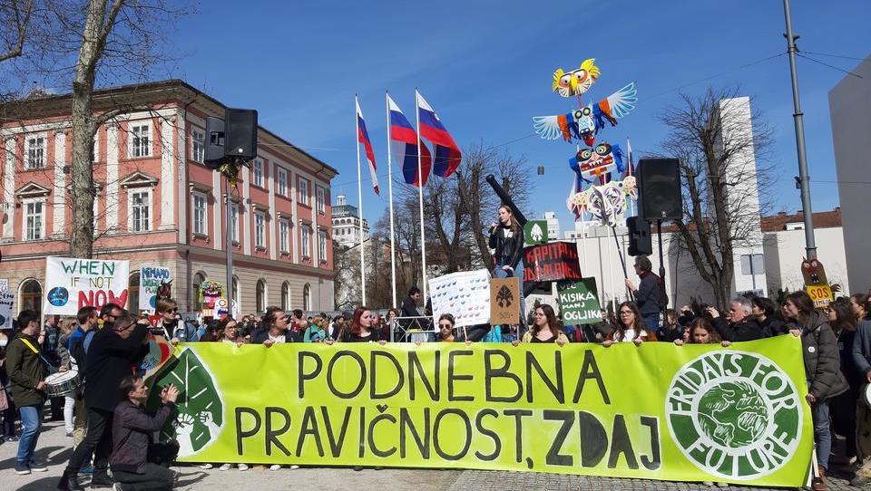 Ko so brali Energetski koncept Slovenije, so se mladi odločili za podnebni štrajk